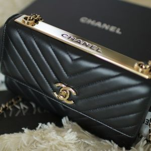 09257dbf7cda CHANEL Bags - MORE PICS Chanel Trendy CC WOC in Black